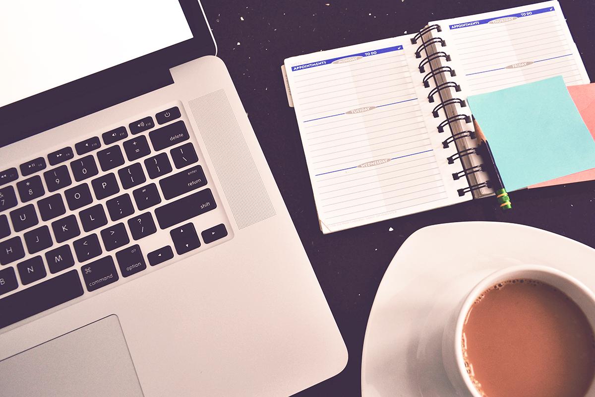 blog__0002_cafe-workspace-with-diary-picjumbo-com-jpg